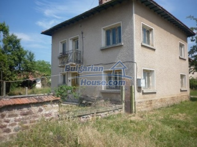 12105:3 - Well kept rural house with mountain view near Vratsa