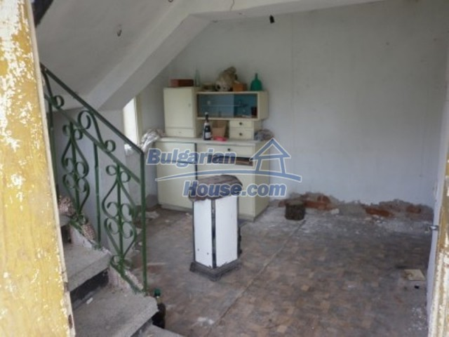 12105:8 - Well kept rural house with mountain view near Vratsa