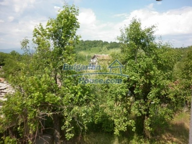 12105:14 - Well kept rural house with mountain view near Vratsa