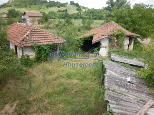 12105:15 - Well kept rural house with mountain view near Vratsa