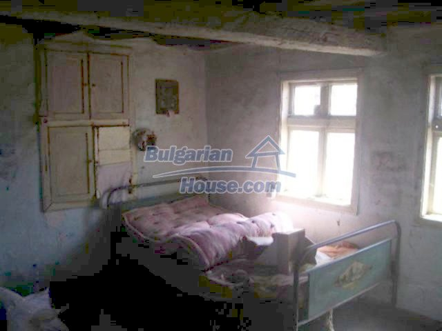 12110:3 - Extremely cheap rural house in beautiful area  - Elhovo region