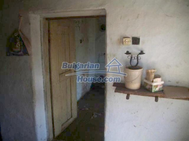 12110:5 - Extremely cheap rural house in beautiful area  - Elhovo region