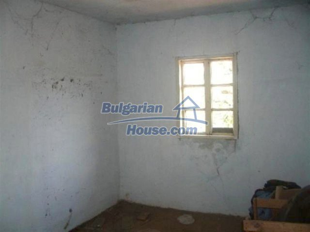 12110:8 - Extremely cheap rural house in beautiful area  - Elhovo region