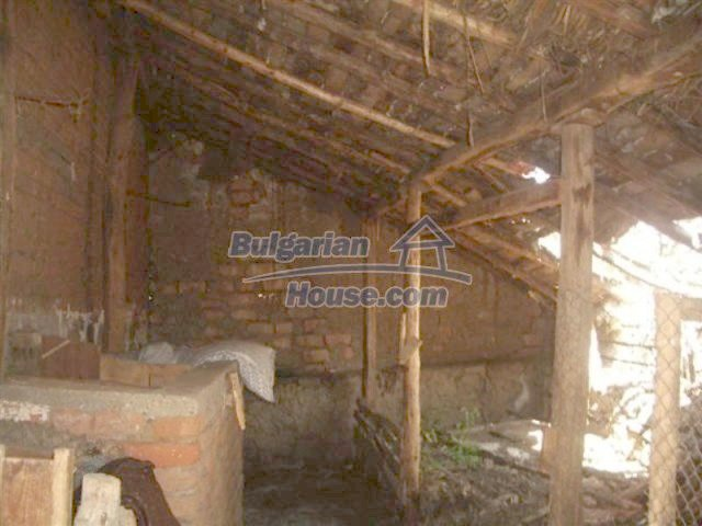 12110:9 - Extremely cheap rural house in beautiful area  - Elhovo region