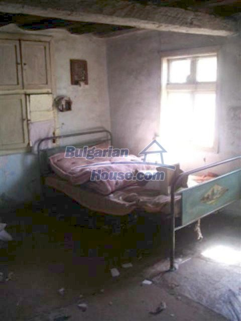 12110:10 - Extremely cheap rural house in beautiful area  - Elhovo region