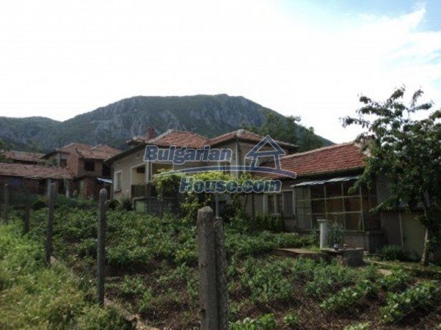 12118:4 - Bulgarian house in the mountains near Vratsa – fascinating views