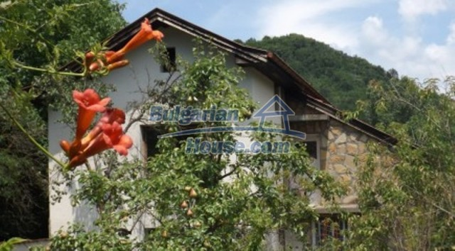 12128:1 - Beautiful rural house with garden and lovely view near Vratsa