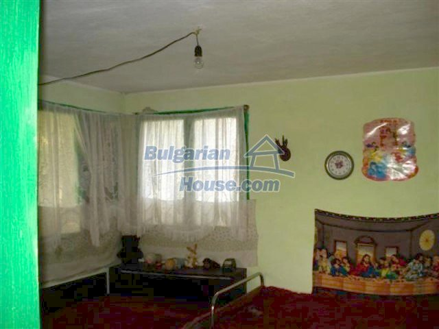 12129:8 - Cheap charming rural house near Elhovo - enchanting surroundings
