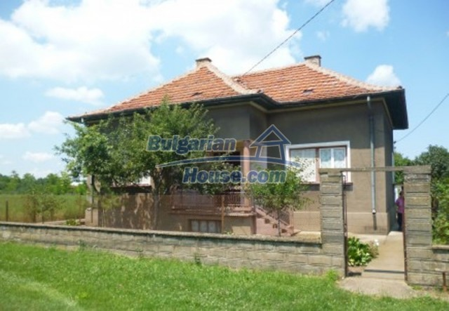 12130:2 - Cheap sunny house 20 km away from Danube River - Vratsa