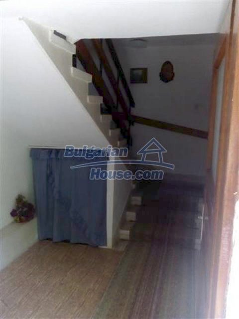 12135:6 - Spacious well presented Bulgarian house in Elhovo town