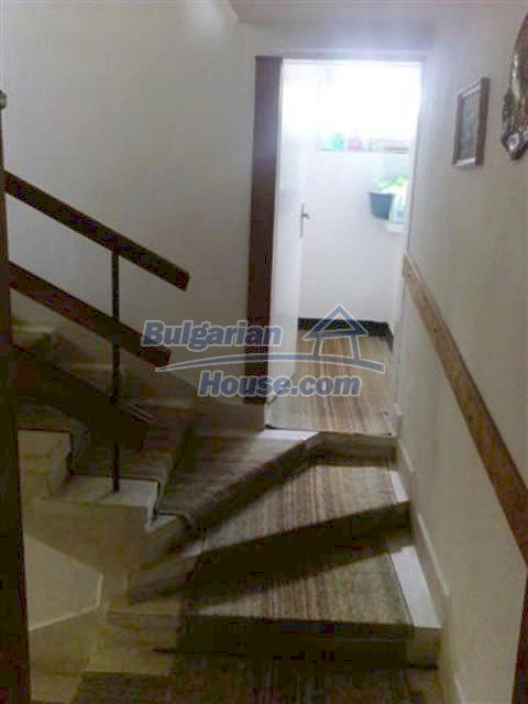 12135:8 - Spacious well presented Bulgarian house in Elhovo town