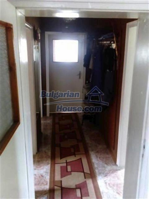 12135:11 - Spacious well presented Bulgarian house in Elhovo town