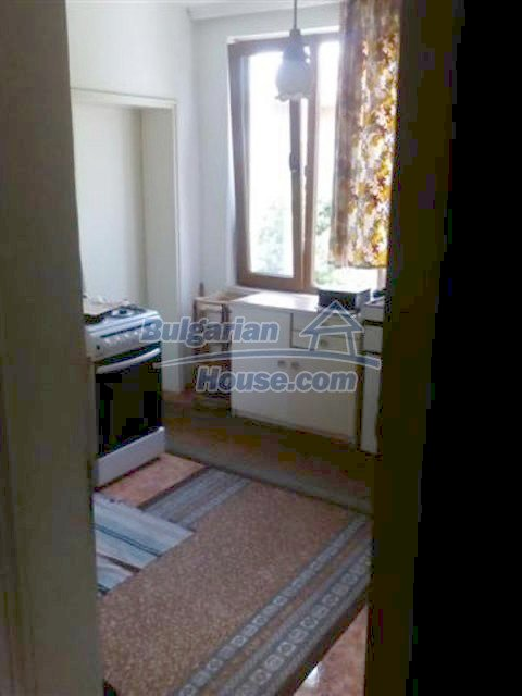 12135:12 - Spacious well presented Bulgarian house in Elhovo town