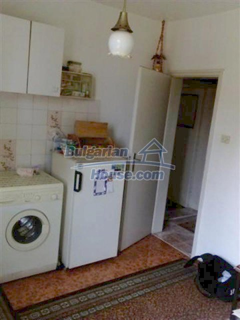 12135:15 - Spacious well presented Bulgarian house in Elhovo town