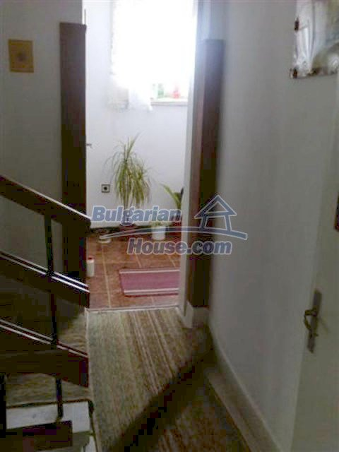 12135:9 - Spacious well presented Bulgarian house in Elhovo town