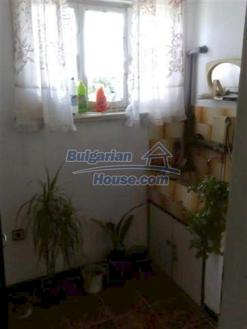 12135:10 - Spacious well presented Bulgarian house in Elhovo town