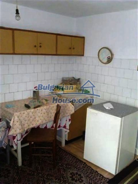 12135:24 - Spacious well presented Bulgarian house in Elhovo town