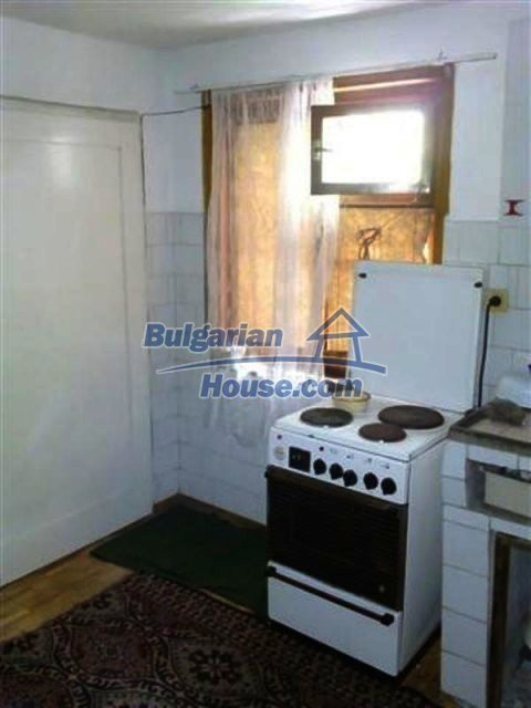 12135:25 - Spacious well presented Bulgarian house in Elhovo town