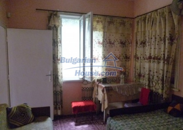 12137:5 - Functional property near Danube River and Vratsa – nice scenery