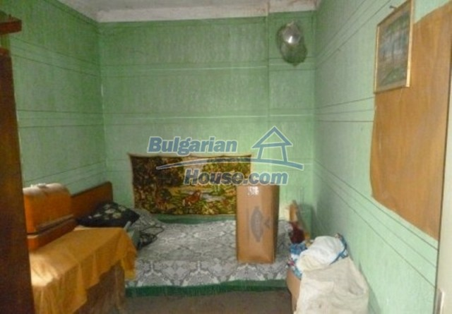 12137:17 - Functional property near Danube River and Vratsa – nice scenery