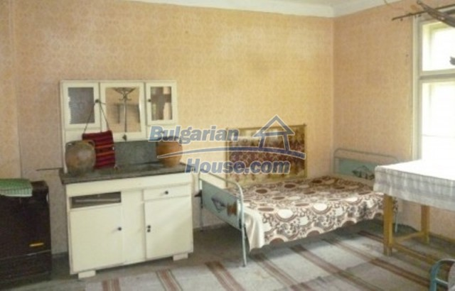 12137:18 - Functional property near Danube River and Vratsa – nice scenery