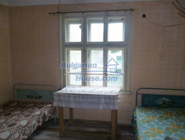 12137:19 - Functional property near Danube River and Vratsa – nice scenery