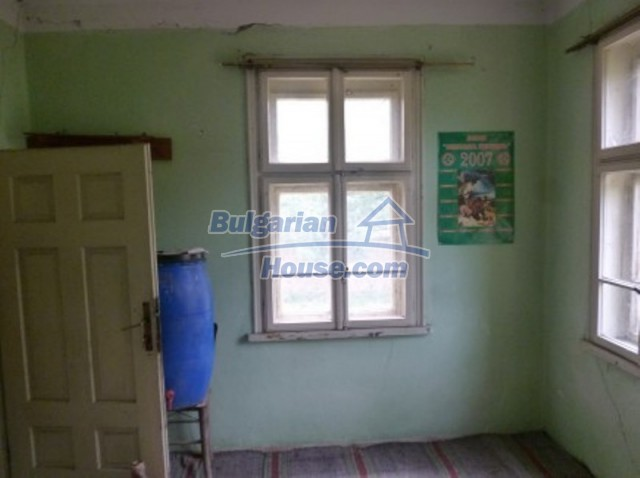 12137:24 - Functional property near Danube River and Vratsa – nice scenery