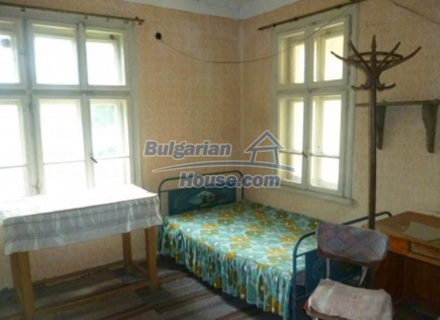12137:22 - Functional property near Danube River and Vratsa – nice scenery