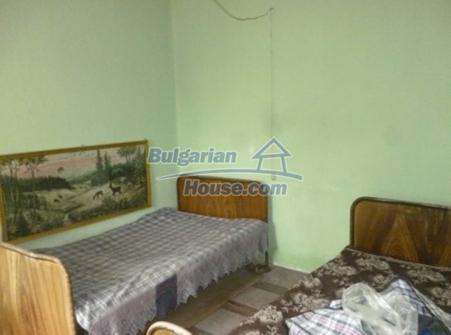 12137:23 - Functional property near Danube River and Vratsa – nice scenery