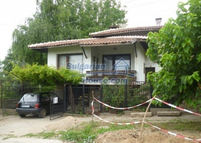 12140:1 - Nice furnished house with garden and swimming pool near Vratsa