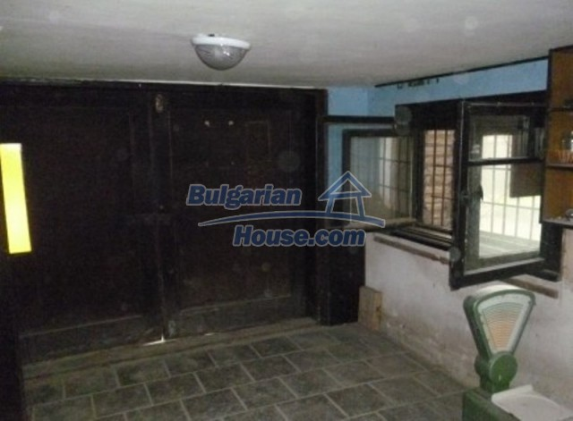 12140:15 - Nice furnished house with garden and swimming pool near Vratsa