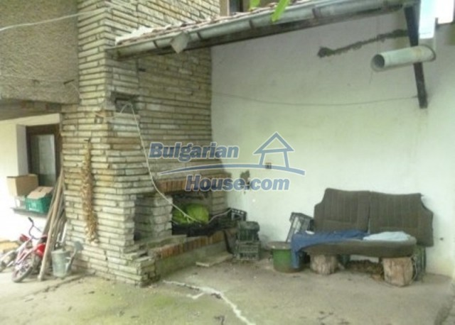 12140:30 - Nice furnished house with garden and swimming pool near Vratsa