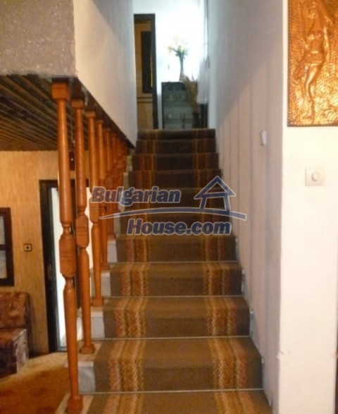 12140:37 - Nice furnished house with garden and swimming pool near Vratsa