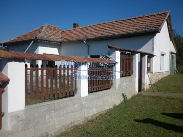 12144:1 - Cheap rural house with adorable panoramic view - Vratsa