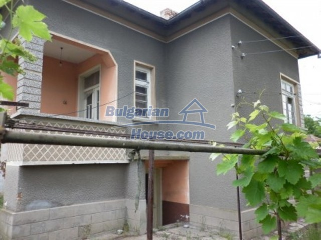 12145:5 - Very cheap riverside house with large garden near Vratsa