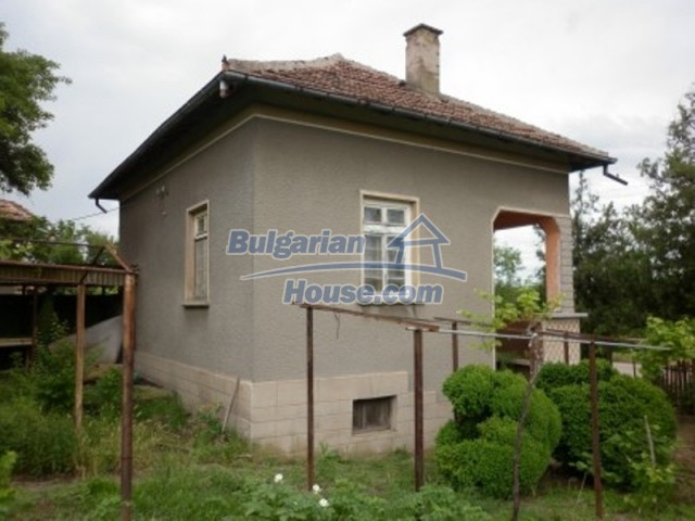 12145:8 - Very cheap riverside house with large garden near Vratsa