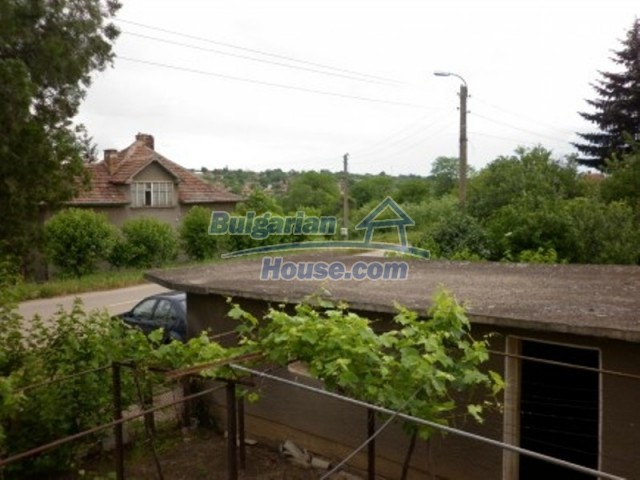 12145:11 - Very cheap riverside house with large garden near Vratsa