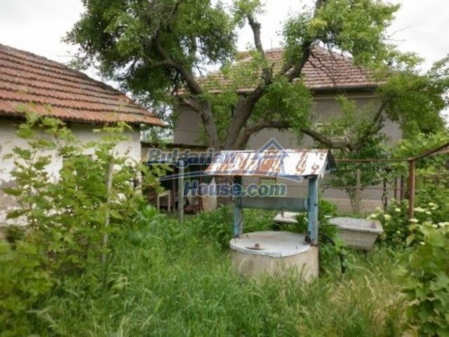 12145:18 - Very cheap riverside house with large garden near Vratsa