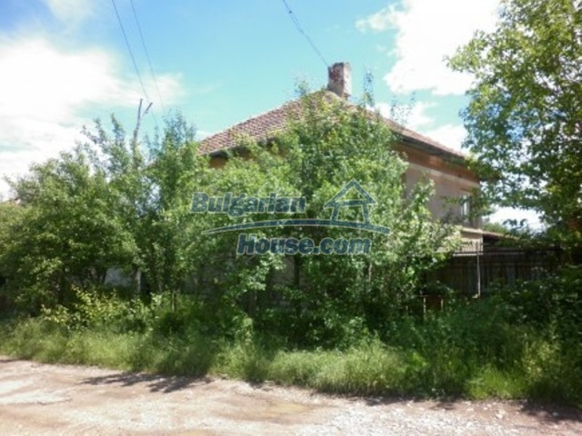 12157:1 - Cheap rural house with vast garden near Vratsa