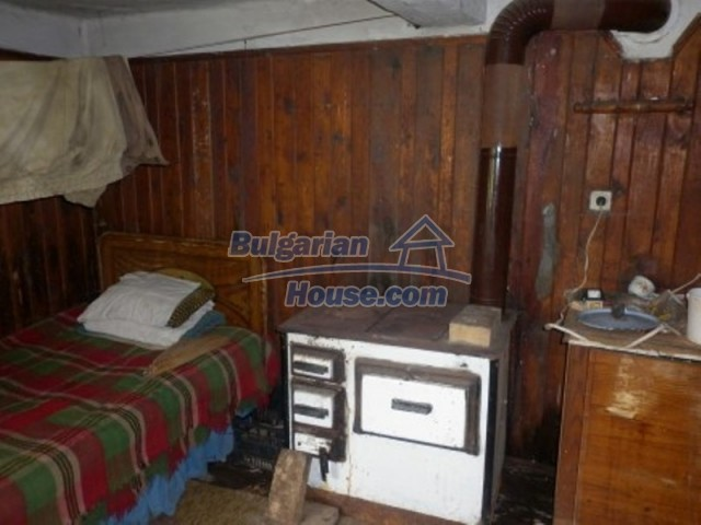 12157:9 - Cheap rural house with vast garden near Vratsa