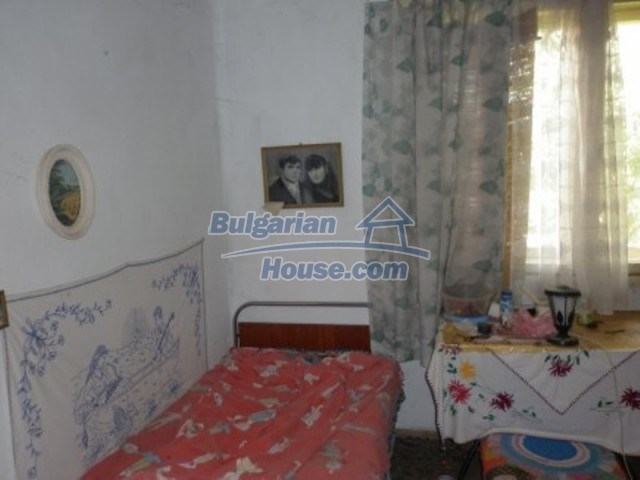 12157:15 - Cheap rural house with vast garden near Vratsa