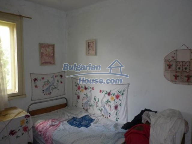12157:16 - Cheap rural house with vast garden near Vratsa