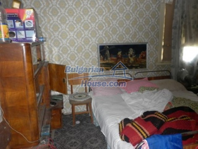 12157:19 - Cheap rural house with vast garden near Vratsa