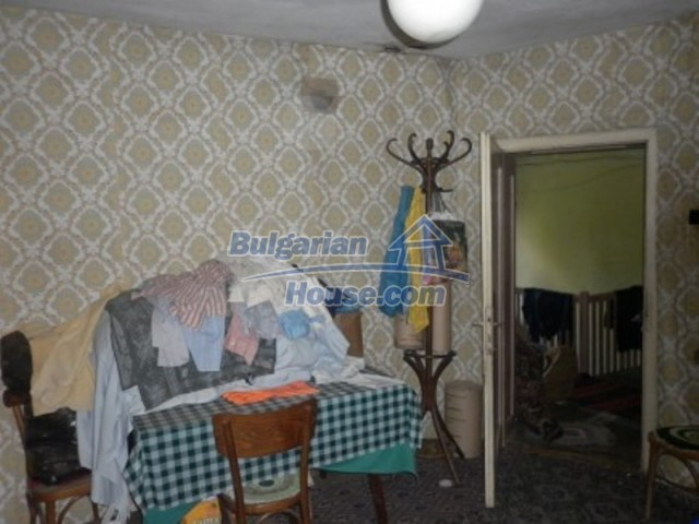 12157:21 - Cheap rural house with vast garden near Vratsa