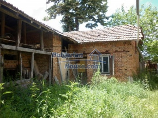 12157:27 - Cheap rural house with vast garden near Vratsa