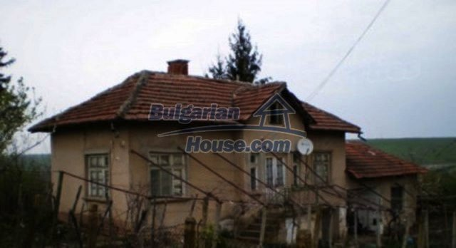12158:1 - Very cheap house with huge garden and nice views near Vratsa