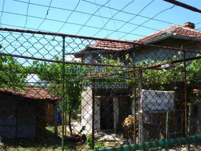 12162:1 - Nice house with big garden near Elhovo – advantageous offer