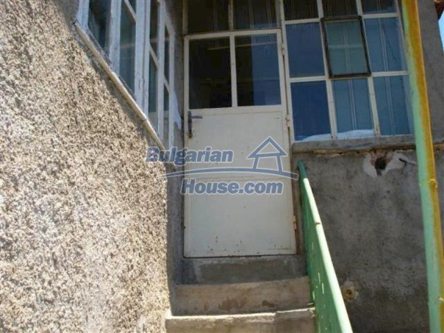 12162:5 - Nice house with big garden near Elhovo – advantageous offer