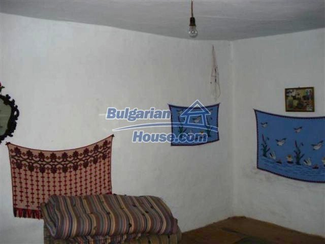 12162:6 - Nice house with big garden near Elhovo – advantageous offer
