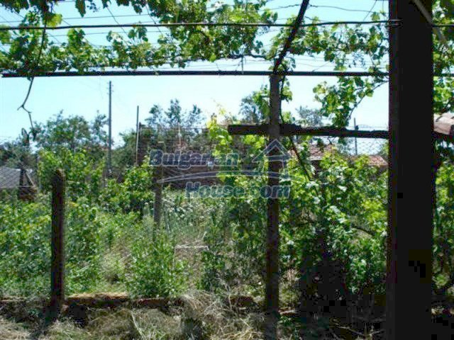 12162:15 - Nice house with big garden near Elhovo – advantageous offer